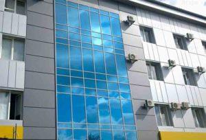 вклеивание в стеклянных фасадах