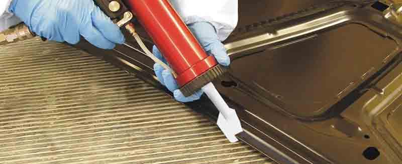 Как использовать герметики для окрашенных металлов