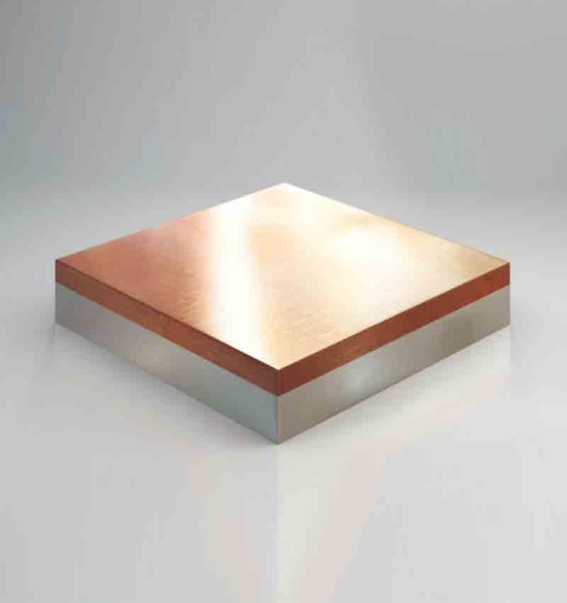 приклеивания небольших деталей из металла к оцинкованным поверхностям