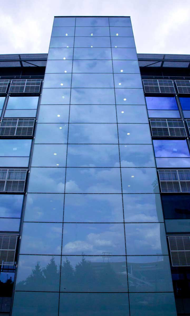 герметик идеально подходит и испытан для внешнего остекления фасадов