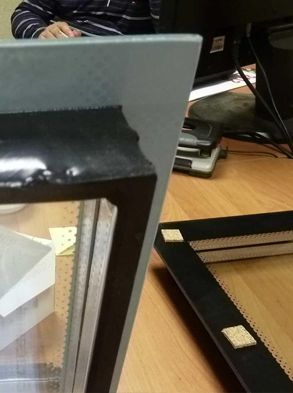Огромную роль при вклейке стеклопакета индустриального 2К клея PURAFLEX® 9270