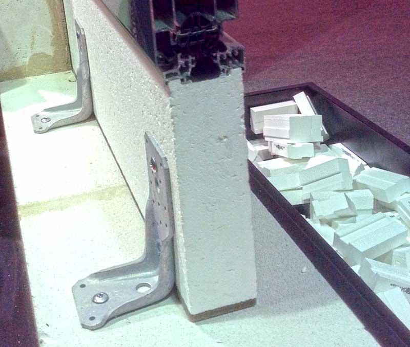 Монтажный профиль под порог из алюминия или стекловолокна