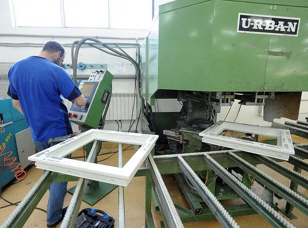 Производственная практика вклеивания стеклопакетов