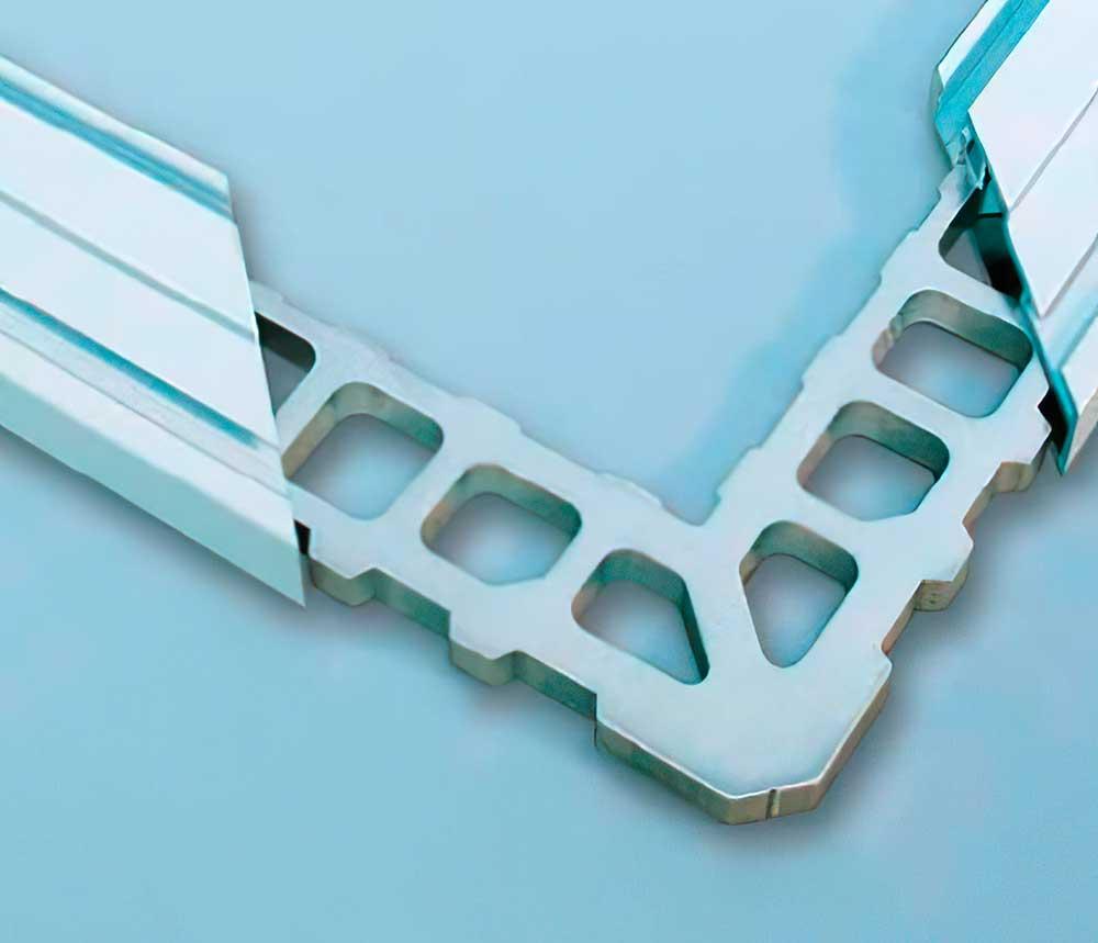 угловое соединение алюминиевого профиля