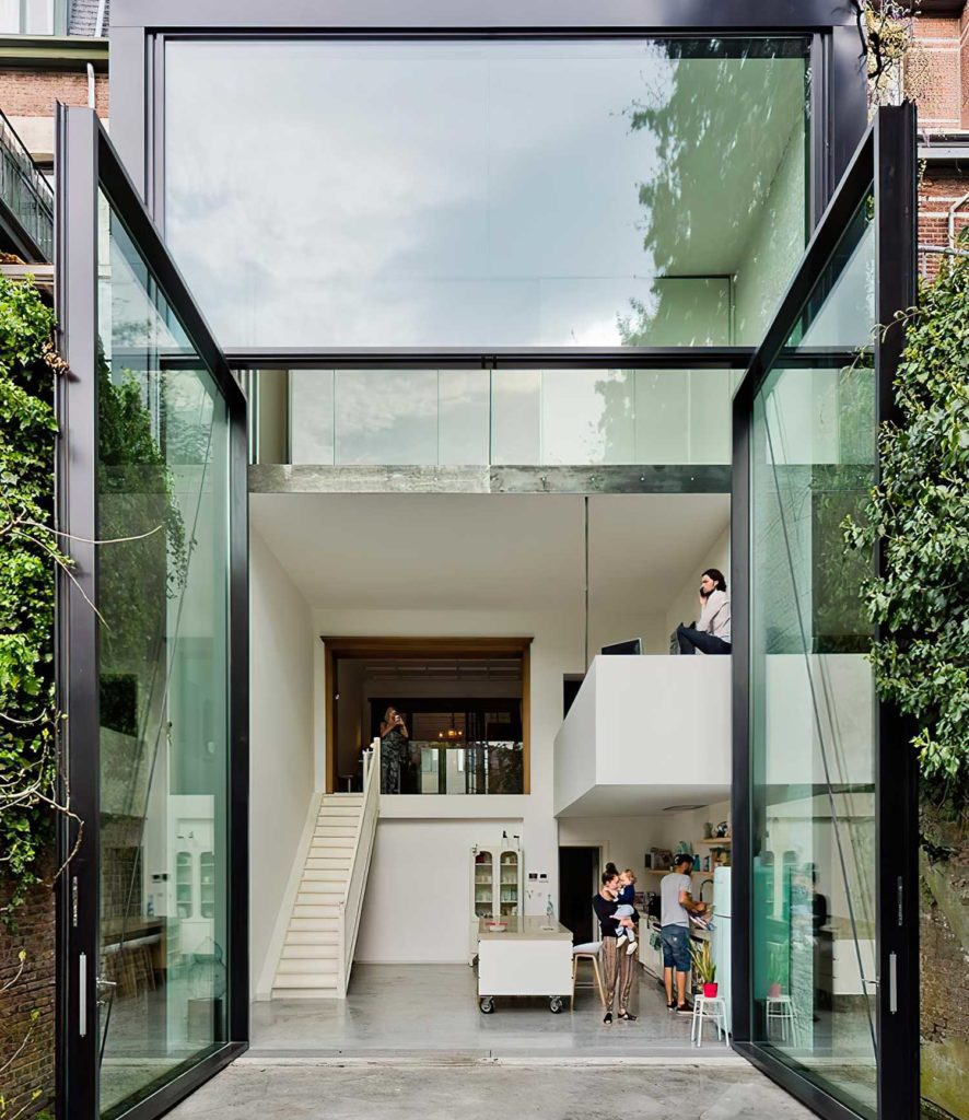 огромные алюминиевые окна